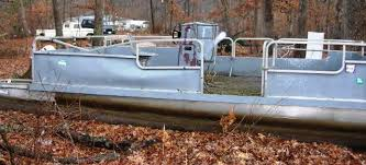 custom pontoon boat