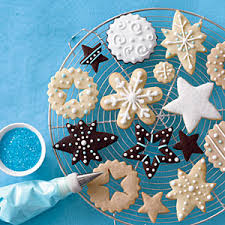 gingerbread cookies decorating