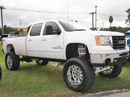 gmc lifted trucks