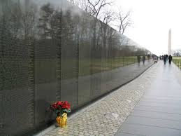 pictures of the vietnam memorial