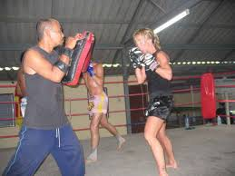 women thai boxing