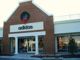 outlets adidas