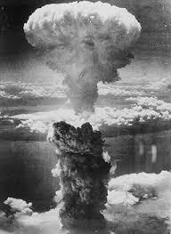 200 Grenoble - Page 2 La_bombe_atomique_americaine-93140