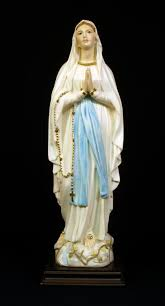 statue of mother mary