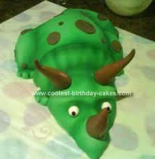 dinosaur cake decorating
