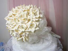 ivory bridal bouquets