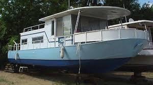 river queen houseboat
