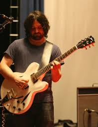 gibson es 335 with bigsby