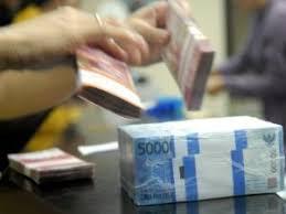 http://t0.gstatic.com/images?q=tbn:ltekH99V8lYeyM:http://media.vivanews.com/thumbs2/2008/10/10/55390_uang_rupiah_300_225.JPG