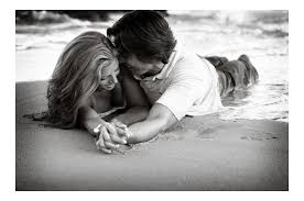 black and white love photography