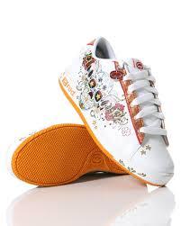 eckored shoes