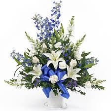blue and white flower arrangements