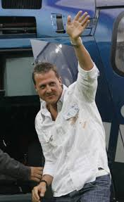 Officiel-Schumacher-chez-Mercedes-GP-en-2010