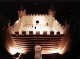 giant bouncy castles