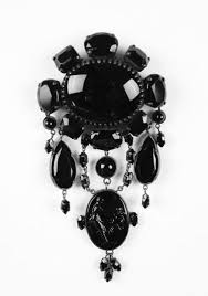 antique mourning jewelry