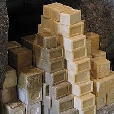 http://t0.gstatic.com/images?q=tbn:p32QetVEdTaWdM:http://www.web-provence.com/photos/savons.jpg