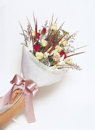 picture of floral arrangement