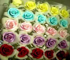 making icing flowers
