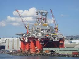 largest oil platform