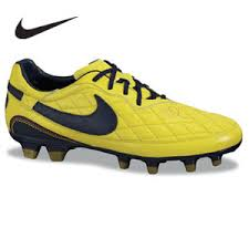 nike yellow soccer cleats
