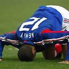 ╣◄بعض اللاعبون المسلمون العالم ►╠ tery%20henry.jpg