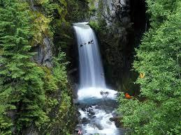 عکس آبشار بلند و مرتغع