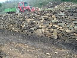 stone wall contractors