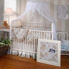 crib decor