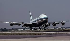 747 airliner