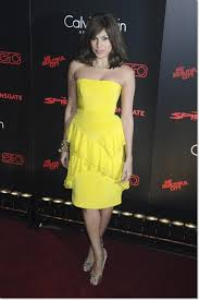 celebrities in yellow dresses