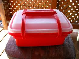 lunch tupperware