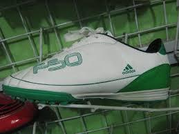 harga sepatu futsal adidas