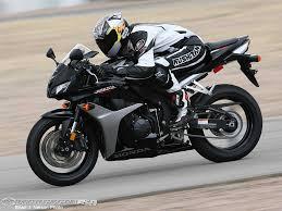 cbr600rr wheelie