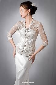 gaun pengantin bertudung