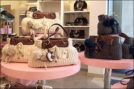 purse displays