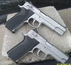 10 mm handguns