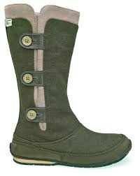 green snow boots