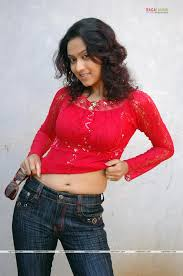navel show in public