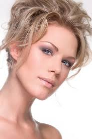 make up for blondes with blue eyes