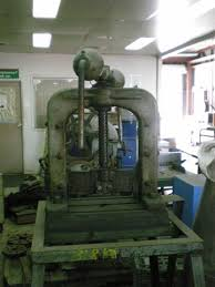 manual screw press