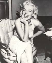 dress like marilyn monroe