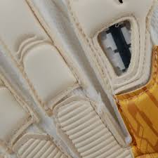 puma goalkeepers gloves