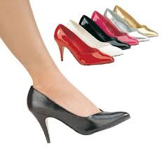 high heeled court shoes