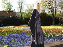 medieval dresses pictures