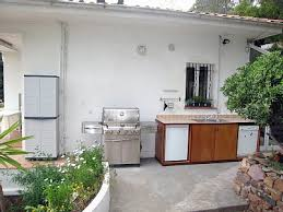 outdoor kitchen barbeque