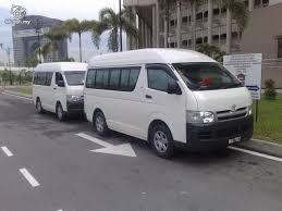10 seater cars