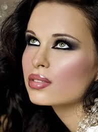 maquillaje oscuro