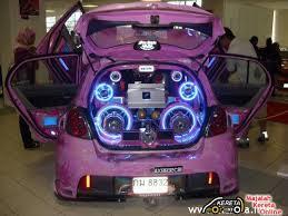 audio system in car