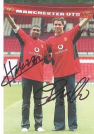 manchester united signed pictures