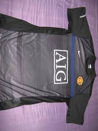 man utd training shirt
